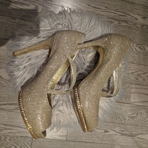 Adrianna Papell shoes woman
